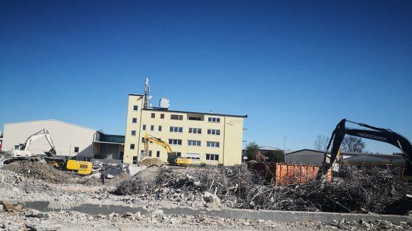 BV: Abbruch eines Industriekomplexes in Mühldorf am Inn.
